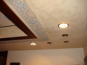 Maalattu katto
